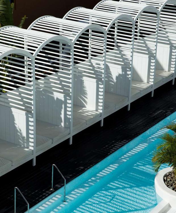 Balinesa Bed Hotel Gold By Marina