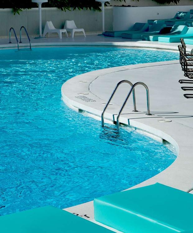 Pool Hotel Gold By Marina